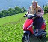 Tanja E. gewinnt mit Gewinn24 einen original Piaggio Roller